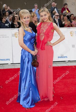 Sally Farmiloe (left) and Jade Farmiloe
