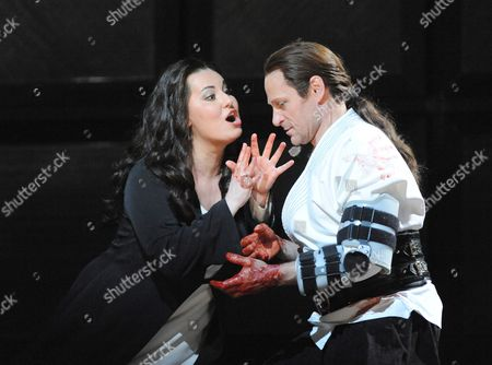 'Macbeth' - Liudmyla Monastyrska (Lady Macbeth) and Simon Keenlyside (Macbeth)