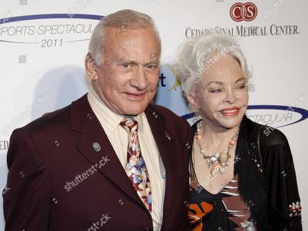 Buzz Aldrin ; Lois Driggs Cannon