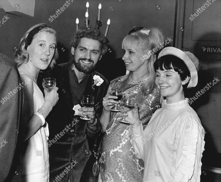 Editorial photo of John Nightingale (mark Anthony) With (l To R) Mary Grimes Judith Smith And Ann Penfold After The Show.
