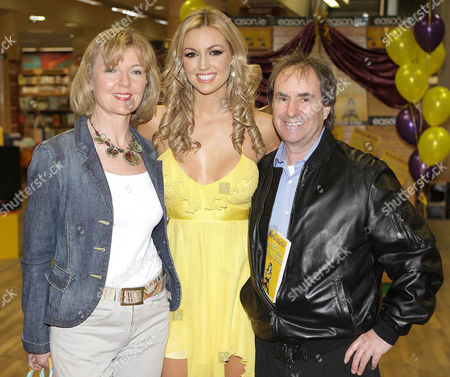 Stock Image of Rosanna Davison with her parents Diane and Chris de Burgh at the launch of the latest book by Marisa Mackle 'The girl in the Yellow Dress' which Rosanna illustrated