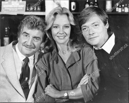 (l To R) Peter Adamson Hayley Mills And Simon Ward Who Will Be Appearing In Play 'dial M For Murder' At The Vaudeville Theatre.