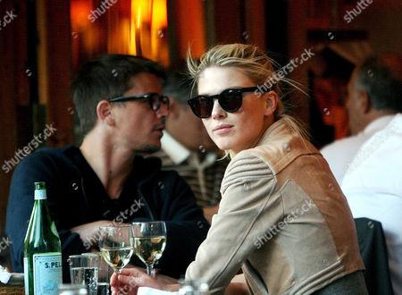 Josh Hartnett and model girlfriend Sophia Lie