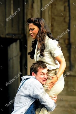Danielle De Niese (Adina) and Stephen Costello (Nemorino)