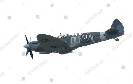 Sir David Jason and Carolyn Grace (Spitfire Pilot)