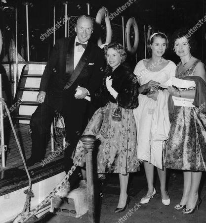 Actors Derek Farr Muriel Pavlow Julia Lockwood And Margaret Lockwood In 1959.