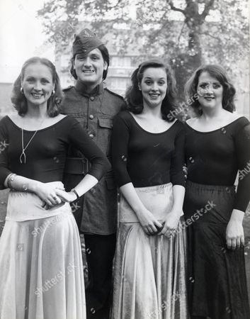 The Byrne Sisters Singing Group. Ltor Louisa Byrne Ann Byrne And Paula Byrne. Also Pictured Is Their Brother Brian Byrne
