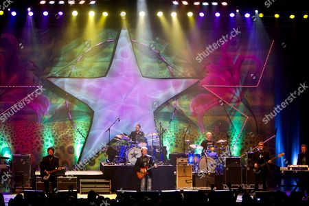 Ringo Starr and band - Wally Palmar, Ringo Starr, Rick Derringer, Gregg Bissonette, Richard Page and Gary Wright