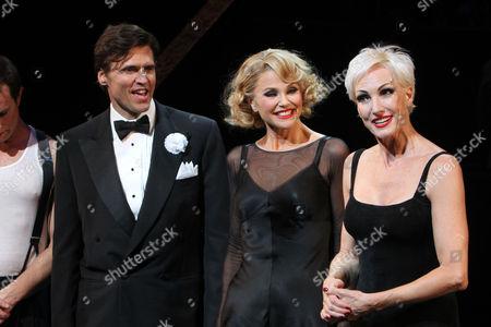 Brent Barrett, Christie Brinkley, and Amra-Faye Wright