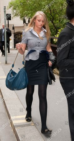 Stock Picture of Ruby Thomas 18 One Of The Accused In The Trafalgar Square Homophobic Murder Trial Leaves The Old Bailey London.