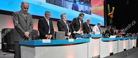First Unite Union Policy Conference At Manchester Central Convention Centre: Joint General Secretarys Tony Woodley Derek SiMPson And Former Gen Sec. Jack Dromey MP (far L) Hold Minute Silence For The Aid Shipping Convoy Attack Off The Israeli Coast. 31/5/10