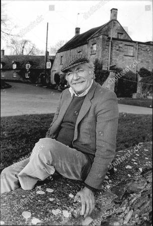 Nigel Davenport - Actor - 1988