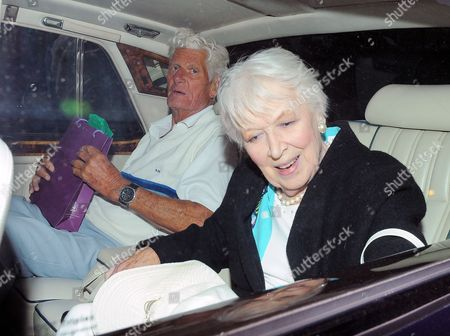 Pete Murray and June Whitfield