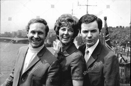 Television Presenters L-r David Hamilton Sheila Kennedy And Philip Elsmore