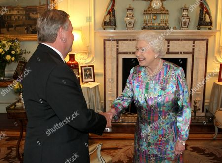 Queen Elizabeth II and Premier of Western Australia Colin Barnett