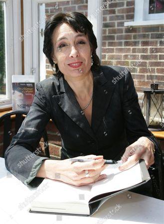 Stella Tillyard