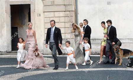 Isabella Borromeo, Ugo Brachetti Peretti and children, Lavinia Borromeo, John Elkann, Carlo Borromeo, Martina Ferri