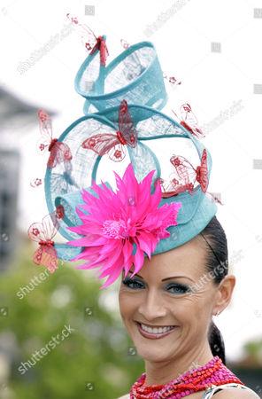 Chelsea Baker in Ilda Di Vico hat