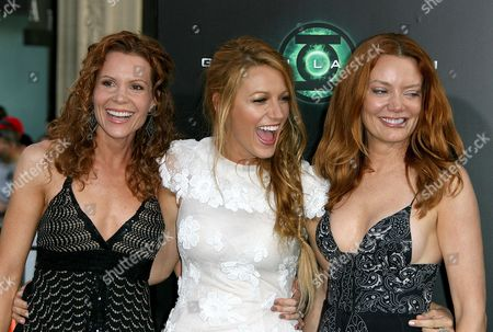 Blake Lively with sisters Robyn Lively and Lori Lively