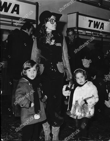 Actress Samantha Eggar And Her Children Jenna (3) And Nicholas (5)