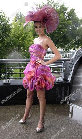 Melanie Marr wearing Ilda Di Vico hat