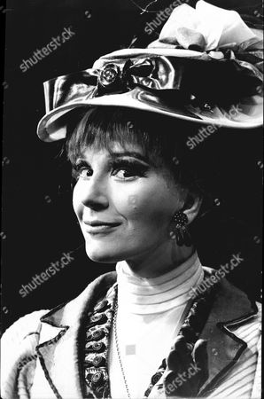 Actress Fenella Fielding In Play The Highest Bid 1967. *no Date Given*