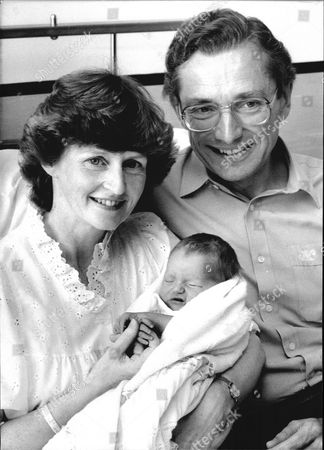 Baron And Baroness Fowler Of Sutton Coldfield. Social Services Secretary Norman Fowler With His Second Wife Fiona And Their Second Daughter Isobel Fowler At St Thomas's Hospital In London.
