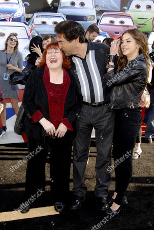 Edie McClurg and Joe Mantegna with daughter Gia
