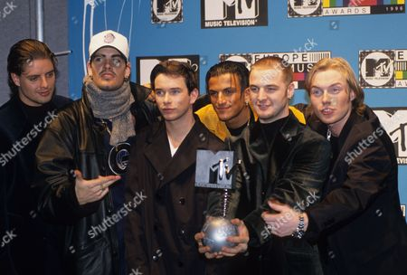 MTV Awards, London - Boyzone - Keith Duffy, Shane Lynch, Stephen Gately, Peter Andre, Mikey Graham and Ronan Keating