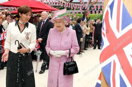 The Duchess of Northumberland and Queen Elizabeth II