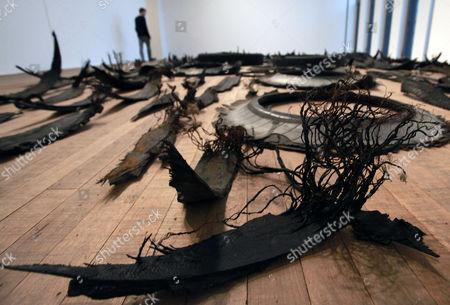 'Chicotes', rubber and aluminium, by Gabriel Orozco