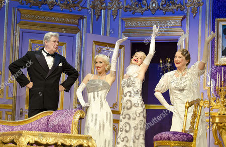 'Lend Me a Tenor: the Musical' - Matthew Kelly (Henry Saunders) with (l-r) Michelle Bishop, Jane Quinn and Gay Soper (Ladies of the Opera Guild)