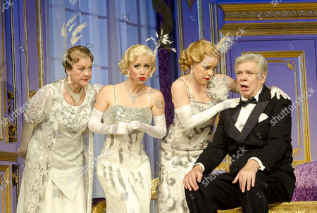'Lend Me a Tenor: the Musical' - Matthew Kelly (Henry Saunders) with (l-r) Gay Soper, Michelle Bishop & Jane Quinn (Ladies of the Opera Guild)