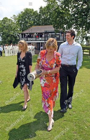 Sharon Rowlingson scatters her father's ashes