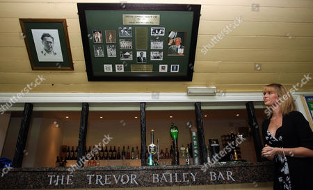The new Trevor Bailey Bar at Westcliff Cricket Club is unveiled by his granddaughter Laura Hurley