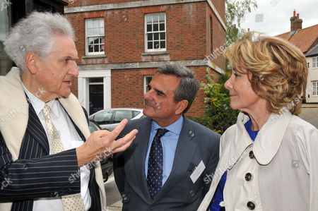 Leon Krier, guest and Dona Esperanza Aguirre, President of the Community of Madrid