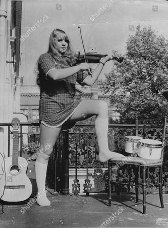 Actess And Singer Dana Gillespie With Violin In 1965.