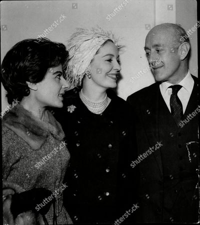 Yvonne Mitchell Valerie Hobson And Sir Alec Guinness At Luncheon.