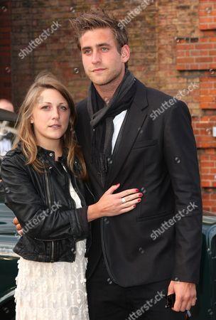 Oliver Jackson Cohen dating Who heeft Spencer daterend in vrij kleine leugentjes