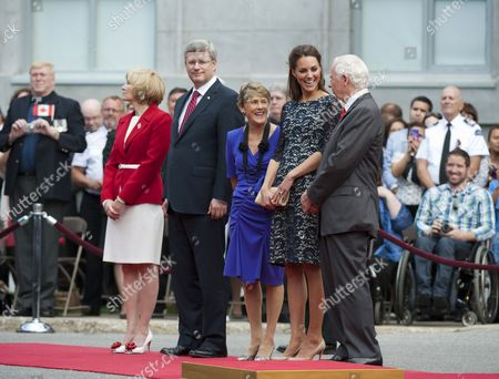 Laureen Harper, Prime Minister Stephen Harper, Sharon Johnston, Catherine Duchess of Cambridge and Governor General David Johnston