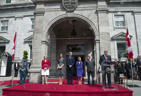 Laureen Harper, Catherine Duchess of Cambridge, Prince William, Prince William, Governor General David Johnston, Sharon Johnston and Prime Minister Stephen Harper