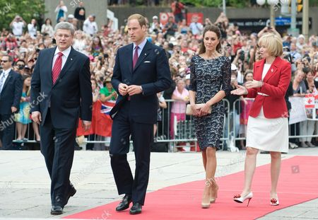 Prime Minister Stephen Harper, Prince William, Catherine Duchess of Cambridge and Laureen Harper