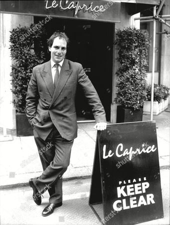 Television Presenter Lloyd Grossman Outside Le Caprice Restaurant 1988.