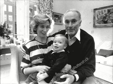 Television Executive Bruce Gyngell Of Tv Am With Wife Kathy Gyngell And Son Adam 1988.