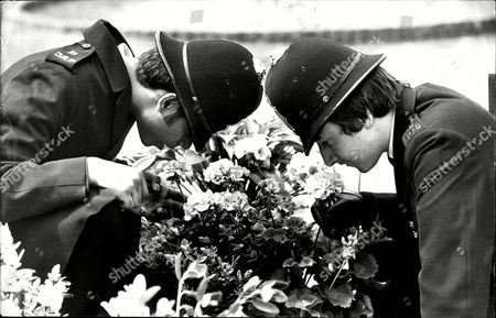 Chelsea Flower Show 1978. P.c. Ian Sammie (left) And P.c. Tony King At The Show.