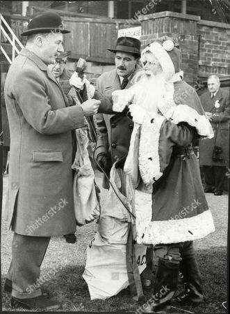 Lord Cadogan Making The Christmas Draw. William Gerald Charles Cadogan 7th Earl Cadogan (13 February 1914 - 4 July 1997) Was A British Peer And Professional Soldier. He Was Born The Eldest Son Of Gerald Oakley Cadogan 6th Earl Cadogan And Inherited His Titles On The Death Of His Father On 4 October 1933. He Was Educated At Eton And Sandhurst Military College. He Married Twice; Firstly On 11 June 1936 The Hon. Primrose Lilian Yarde-buller Daughter Of John Reginald Lopes Yarde-buller 3rd Baron Churston Of Churston Ferrers And Lupton And Secondly Cecilia Margaret Hamilton-wedderburn Daughter Of Lt-col. Henry Kellerman Hamilton-wedderburn On 13 January 1961. With His First Wife He Had 4 Children The Eldest Son Of Whom Was His Heir Charles Gerald John Cadogan 8th Earl Cadogan. He Joined The Army And Rose To The Rank Of Captain In The Coldstream Guards Seeing Action In World War Ii Where In 1943 He Won The Military Cross (mc). He Was Later Made Honorary Lieutenant-colonel In The Coldstream Guards. He Held The Office Of Deputy Lieutenant (dl) Of The County Of London In 1958 And Mayor Of Chelsea In 1964.