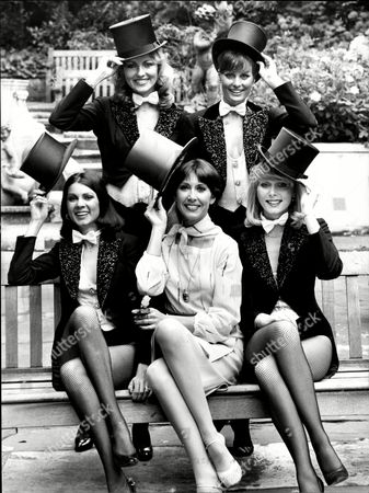 Singer / Actress Anita Harris And Four Scottish Model Take Their Hats Off To Jack Buchanan For Names See Versions