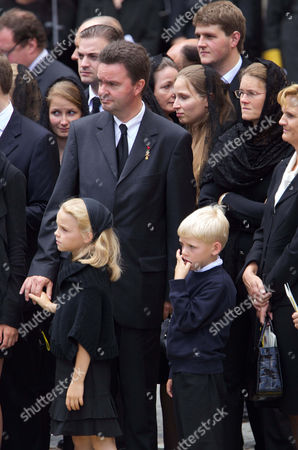 Archduke Georg von Habsburg with his wife Eilika Herzogin von Oldenburg and their children Ildiko and Karoly-Konstantin
