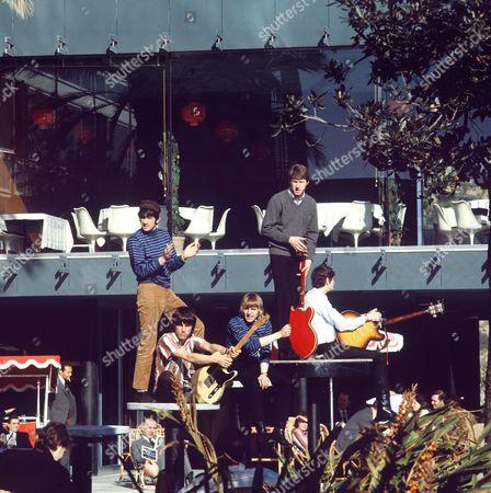 The Yardbirds - Jim McCarty, Jeff Beck, Keith Relf, Chris Dreja and Paul Samwell-Smith