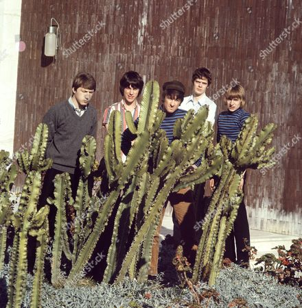 The Yardbirds - Chris Dreja, Jeff Beck, Jim McCarty, Paul Samwell-Smith and Keith Relf